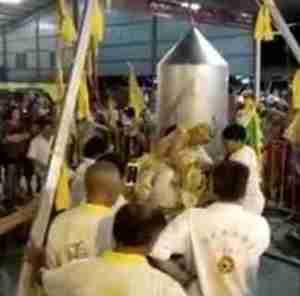 Horror: Spiritual Leader Accidentally Boils Himself Alive Inside a Giant Wok During an Endurance Stunt